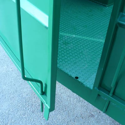 Hydraulic Livestock Trailer Door and Floor Detail