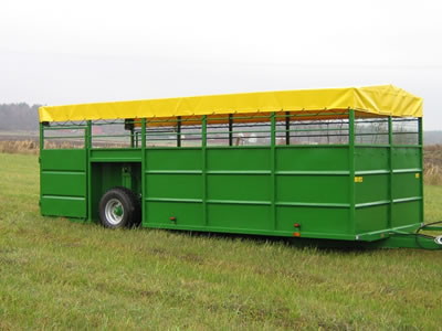 Hydraulic LivestockTrailer Lowered