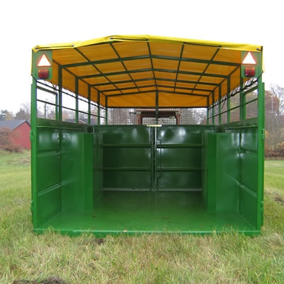 Hydraulic Livestock Trailer Lowered Rearview